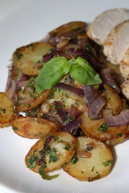 Kyckling med råstekt potatis